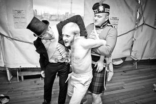 Nieudana próba dezercji dla marynarza kończyła się surową karą cielesną oraz utratą żołdu (fot. P. Kamiński)